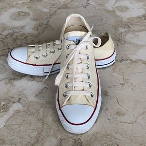 Converse Chuck Taylor All Star Vintage Cream Classic Low Top Sneakers